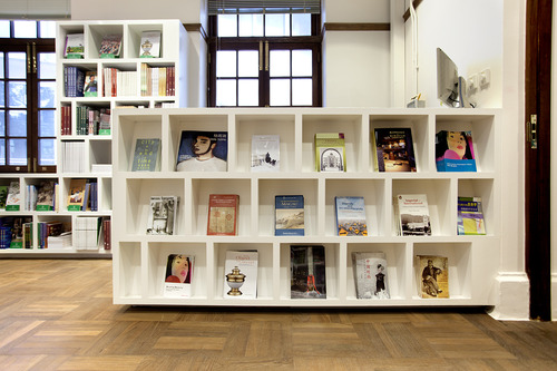 Cool…new bookstore at HKU